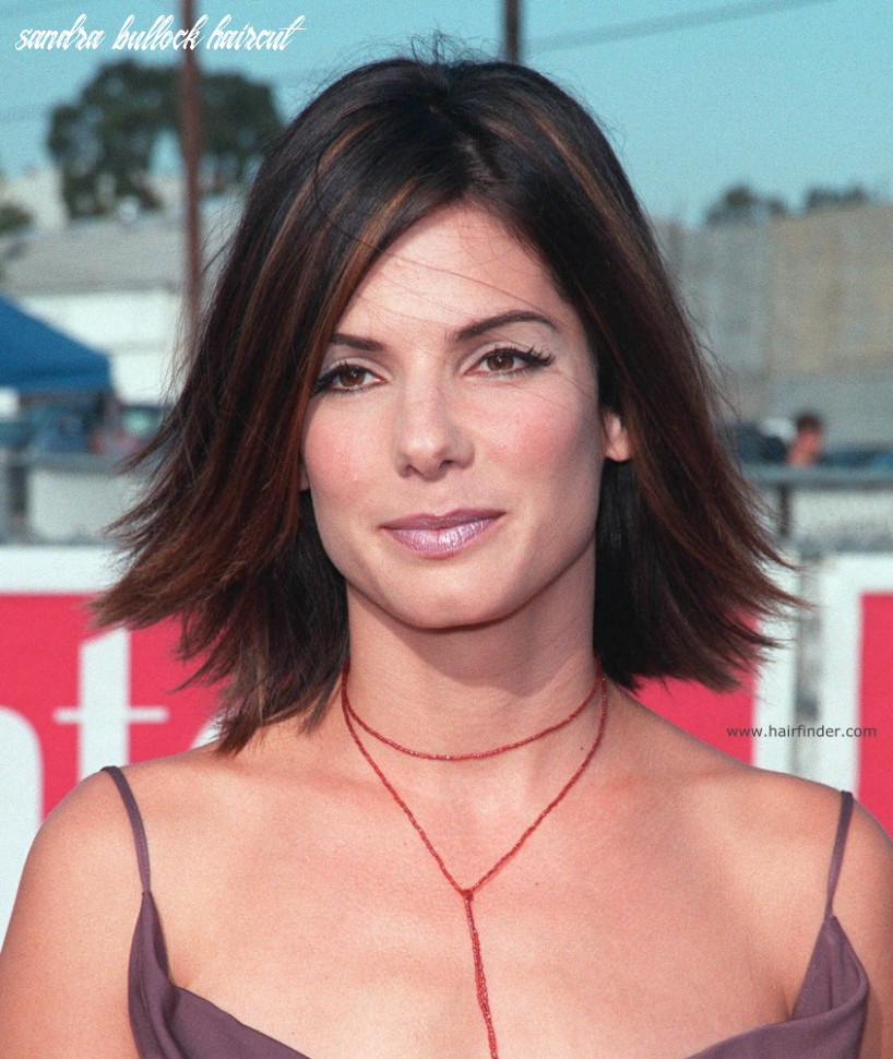 Sandra Bullock | Youthful medium length hairstyle with highlights ...