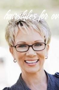 Short hairstyles for women over 11 with glasses in 11 (mit