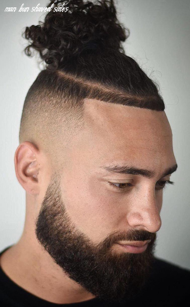 The Top Knot Hairstyle - Visual Guide for Men (10 Different Styles)