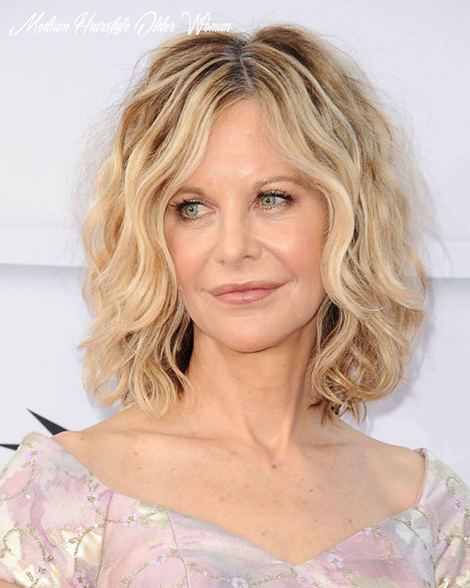 Trendy wavy & curly haircuts for older women – short medium and